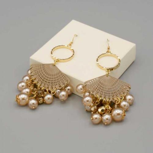 Orecchini con cerchio, ventaglio e preziose perle