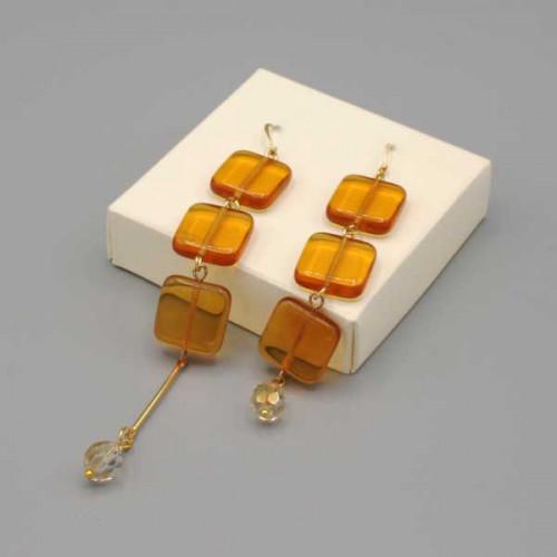 Orecchini pendenti con perline in vetro color topazio