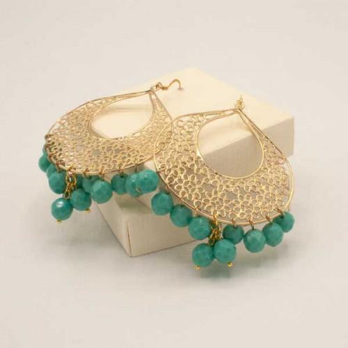 Orecchini a forma di goccia color oro in filigrana con pendenti mezzi cristalli color verde Tiffany.