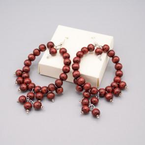 Orecchini a cerchio con perle di legno color bordeaux