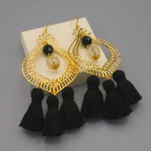 Orecchini con filigrana oro e nappine nere
